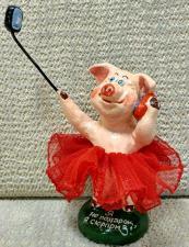 Фигурка Свинки из глины